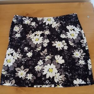 Candies stretchy skirt Size M